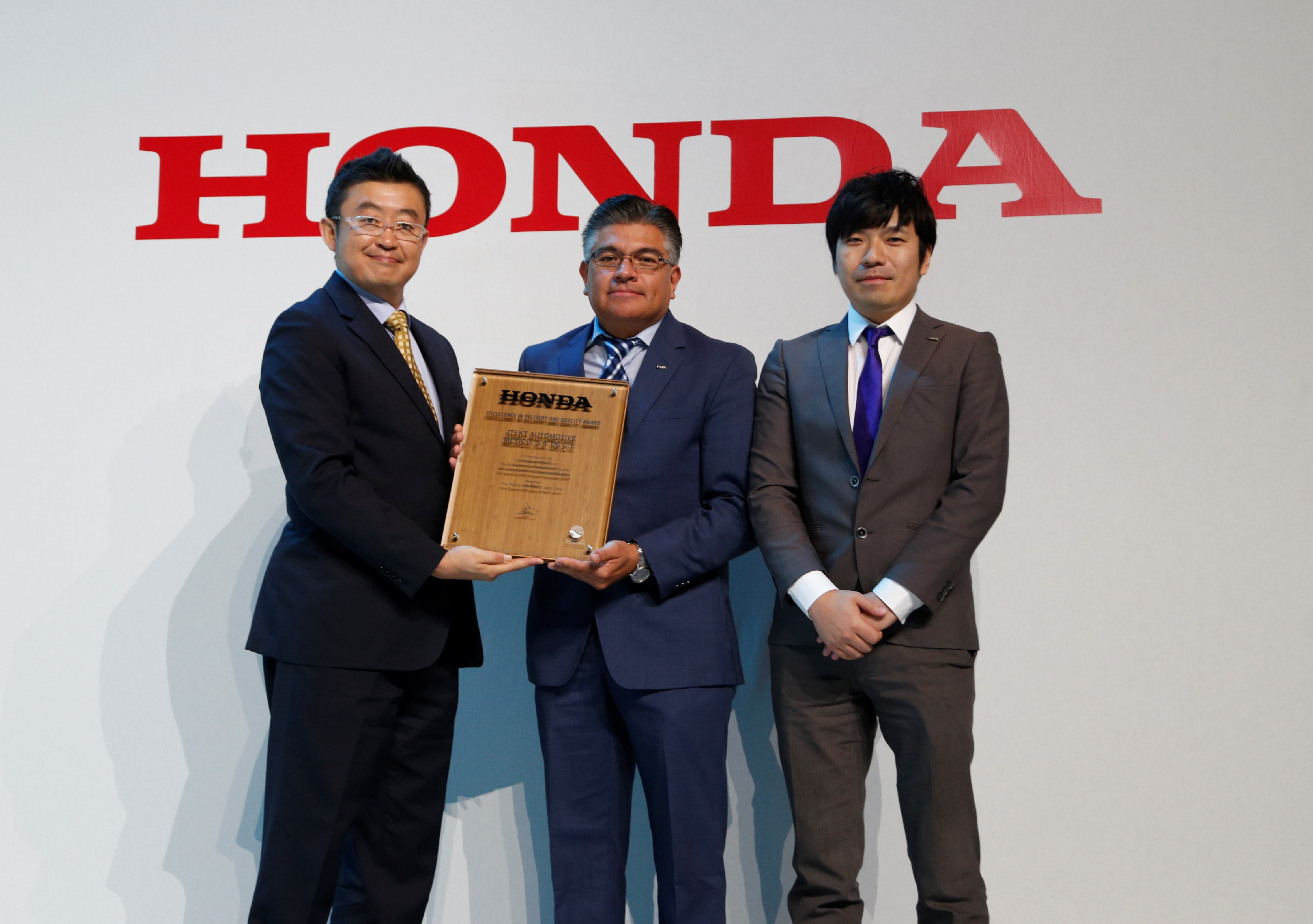 JAMX Plant Manager, Sylvestre Mendoza, at the Honda Supplier Conference
